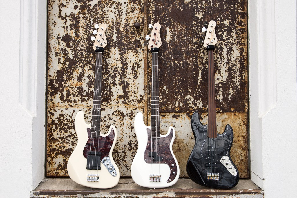 Christopher Bolte's Flexx Basses